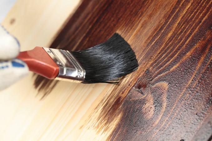 Як перефарбувати сходи з дерева. Фарбування балясин пофарбувати балясини