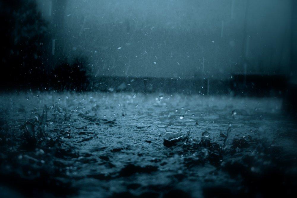 Сон намокнути під дощем. Дощ уві сні для жінки-передбачення різних сонників