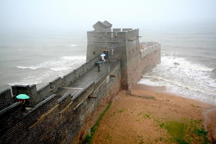Яка довжина великої китайської стіни? велика китайська стіна (great wall of china) китайська істана.