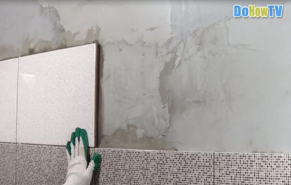 Як рівно класти плитку на нерівні стіни. Грамотна укладання кахельної плитки на стіни: на що звернути увагу