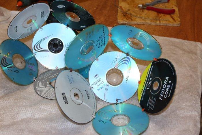 Люстра своїми руками з дисків. Як прикрасити дисками заміський ділянку