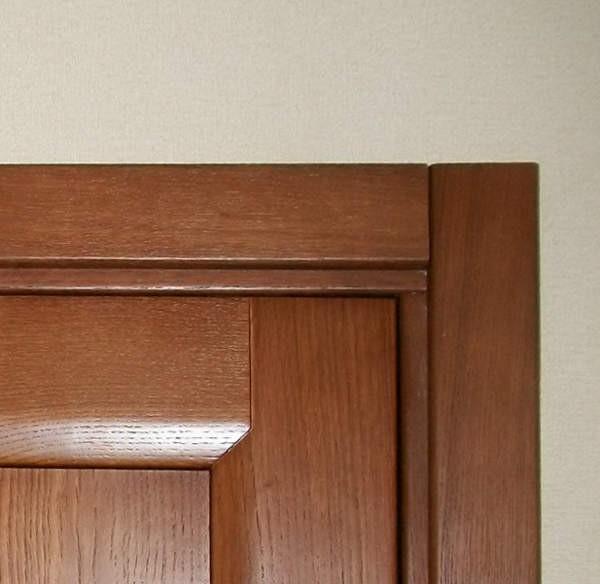 Як правильно поставити переведення в готівку на двері. Лиштви для міжкімнатних дверей-види, варіанти установки, покрокова інструкція по монтажу