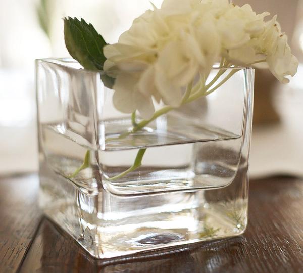 Стоять у скляній вазі. Композиції в скляних вазах