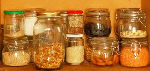 Чим потравити метеликів в складі. Як позбутися від харчової молі вдома: попрощайся з продуктовим шкідником
