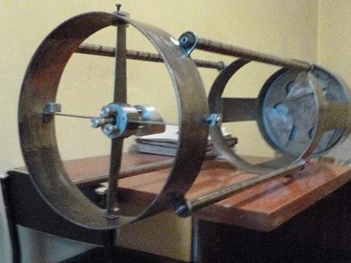 Виготовлення будинку дзеркала для рефлекторного телескопа. Ньютонівський телескоп з того, що під рукою